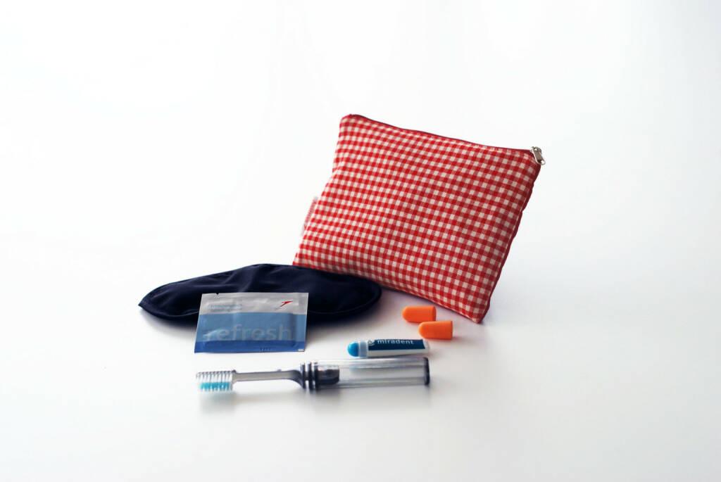 Das neue Austrian Tascherl ist ein praktisches Comfort Kit und enthält neben einer Zahnbürste und Zahnpasta auch eine Schlafmaske, Ohrenstöpsel sowie ein Erfrischungstuch. (03.03.2014)