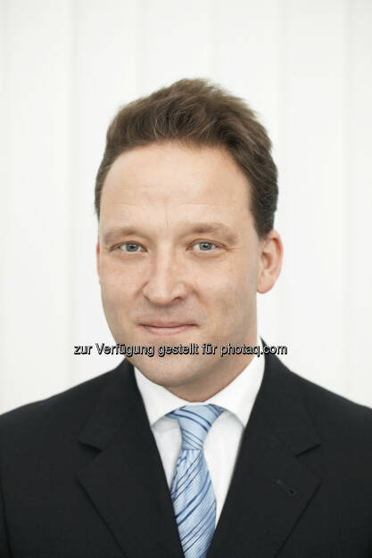 Matthias Zachert, derzeit Finanzvorstand der Merck KGaA in Darmstadt, wird sein Amt als neuer Vorsitzender des Vorstands der Lanxess AG am 1. April 2014 antreten.   (06.03.2014)