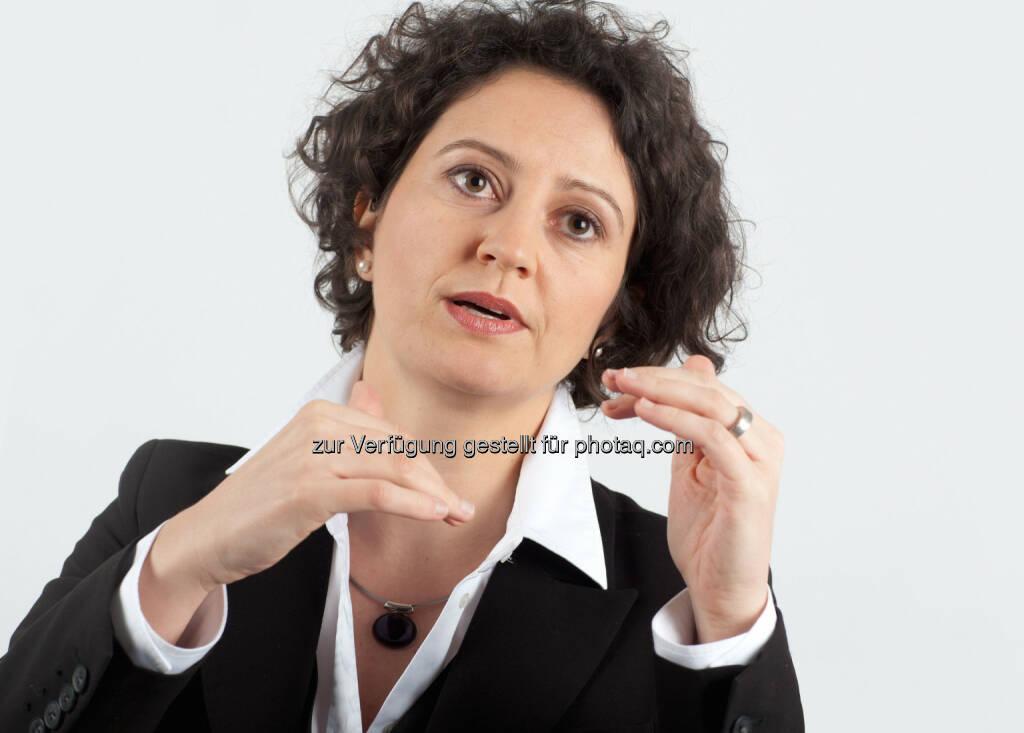 Franzeska Papargyropoulou, Senior Managerin und Leiterin der Women Initiative bei Accenture in Österreich: Accenture-Umfrage zum Internationalen Frauentag:Frauen sind selbstbewusst im Job, glauben aber nicht an gesellschaftlichen Wandel (06.03.2014)