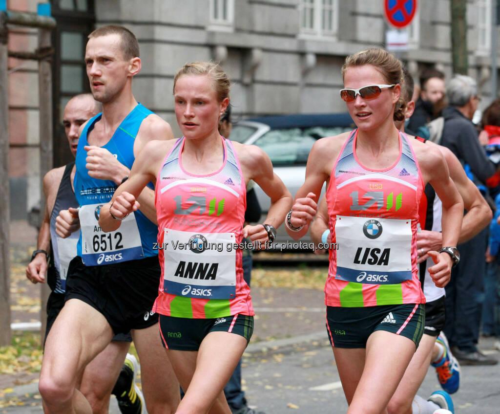 Anna Hahner startet am 13. April beim Vienna City Marathon und wird von ihrer Zwillingsschwester Lisa begleitet (am Bild beim BMW Frankfurt Marathon) credit: fotorun.net, © Aussendung (12.03.2014)