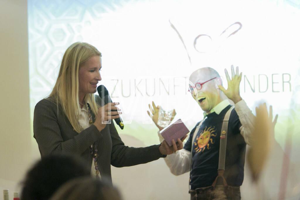 Claudia Stöckl, Ö3 Moderatorin und Obfrau ZUKI - Zukunft für Kinder, Johannes Gutmann, GF Sonnentor Kräuterhandels GmbH, © Martina Draper (15.12.2012)