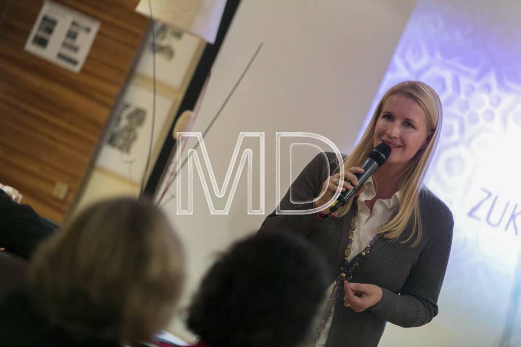 Claudia Stöckl, Ö3 Moderatorin und Obfrau ZUKI - Zukunft für Kinder, © Martina Draper (15.12.2012)