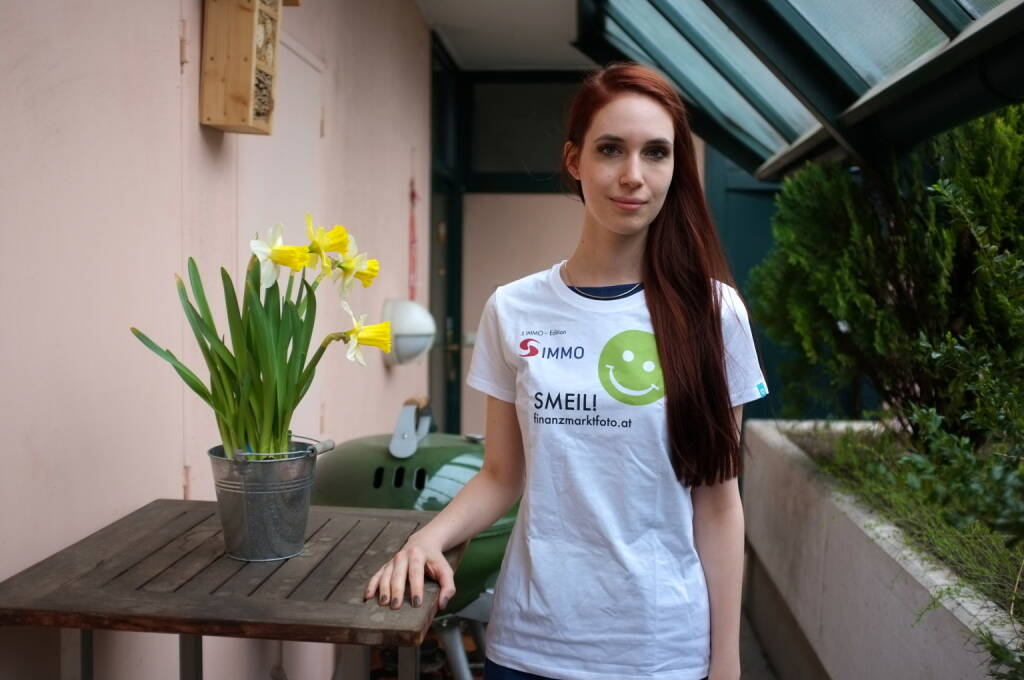 Flower Smeil: Kati Dollenz (Shirt in der S Immo-Edition) (20.03.2014)