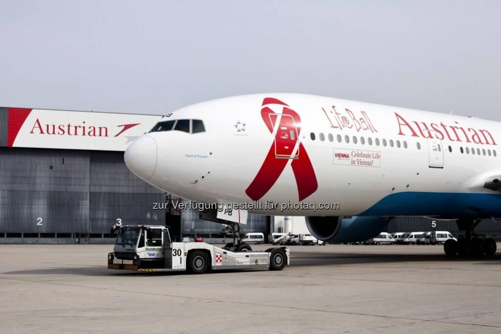 Austrian Airlines hebt mit Life Ball Flieger ab, speziell für den Life Ball 2014 wurde eine Boeing 777 gebrandet. Die Ankunft der prominenten Life Ball Gäste dann am 30.05.2014 aus New York (Bild: Austrian Airlines) (04.04.2014)