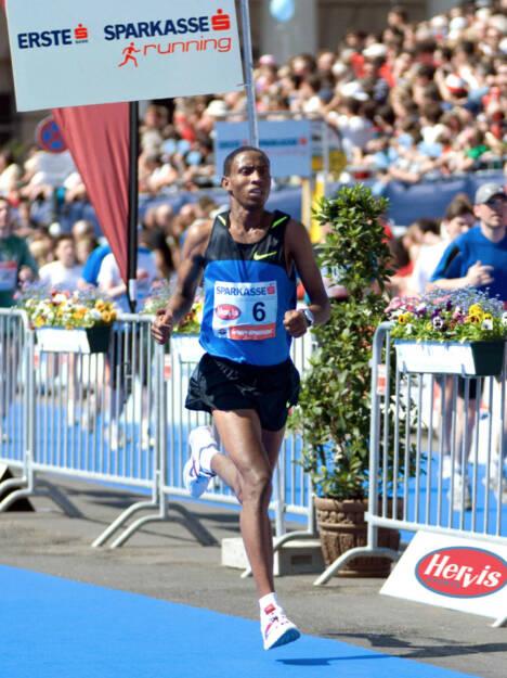 Getu Feleke, hier Debütant beim Vienna City Marathon 2009, kommt am 13. April als Top-Favorit mit einer Weltklassezeit an den Start. (C) Vienna City Marathon (06.04.2014)
