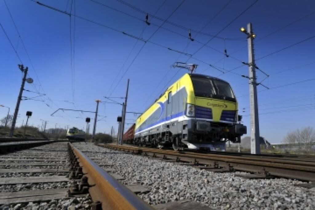 Siemens schließt mit der Logistik Service GmbH (LogServ) einen Fünfjahresvertrag über die Wartung und Instandhaltung der Elektrolokomotiven aus der Baureihe Vectron für den neuen Wartungsstützpunkt Linz ab. (10.04.2014)