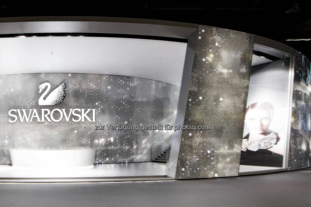 Swarovski gewinnt Red Dot Product Design und Xaver Award, Swarovski Messestand an der Baselworld 2014, Bild: Martin Miseré., © Aussendung (10.04.2014)