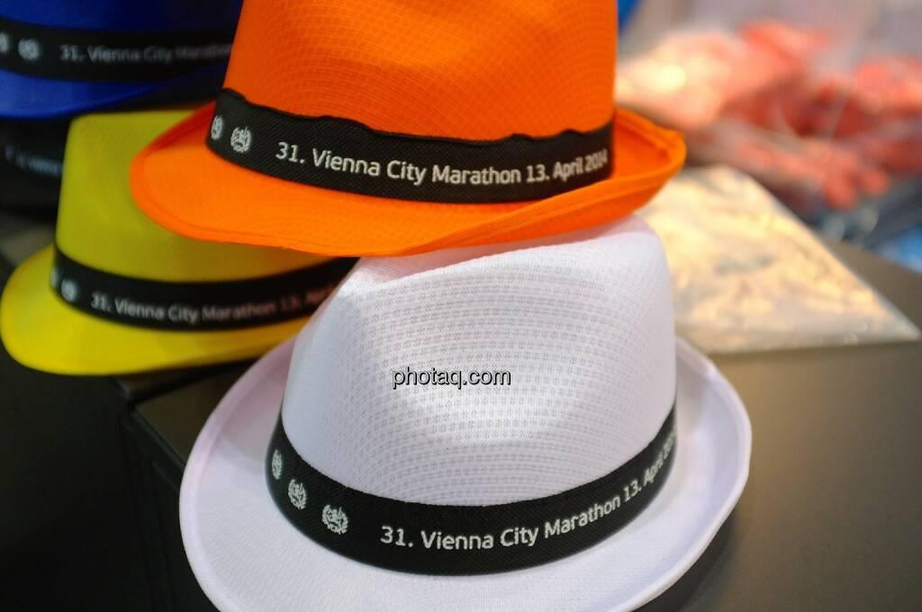 Alles Walzer, Everybody waltz! Vienna City Marathon 2014 Hüte, © Josef Chladek finanzmarktfoto.at (11.04.2014)