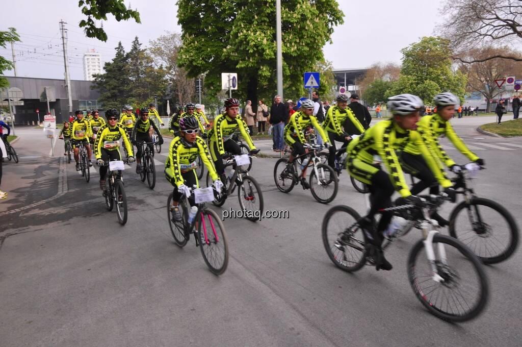 Radfahrer, gelb, VCM 2014, © Josef Chladek für finanzmarktfoto.at (13.04.2014)