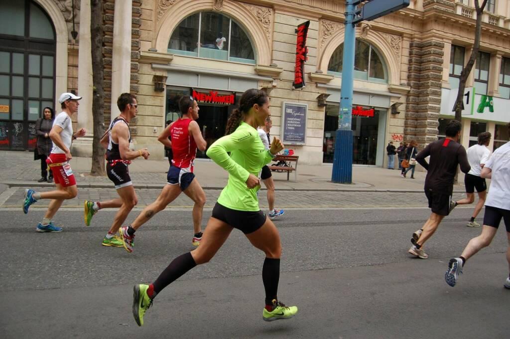 Monika Kalbacher, Runplugged Betatesterin, mit neuer Halbmarathon-Bestzeit beim heutigen VCM 01:26:39 (13.04.2014)