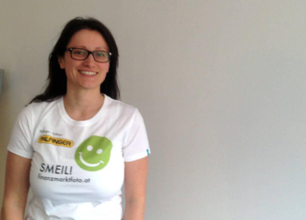 brokerjet Smeil: Barbara Baminger (Shirt in der Palfinger-Kollektion)  (13.04.2014)