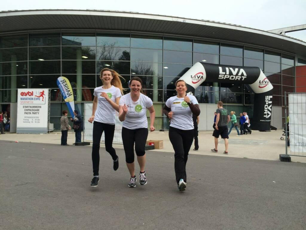 Running Smeil: Livia Döller, Barbara Kremser, Rebecca Öller (14.04.2014)
