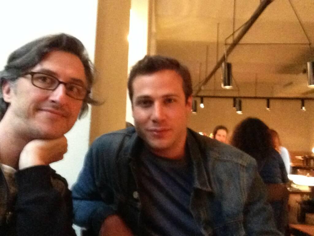 Josef Chladek trifft Renato D'Agostin, Fotograf und Autor mehrerer Bücher, zuletzt erschien Etna: http://josefchladek.com/book/renato_dagostin_-_etna - mehr zu Renato auf http://www.renatodagostin.com (27.04.2014)