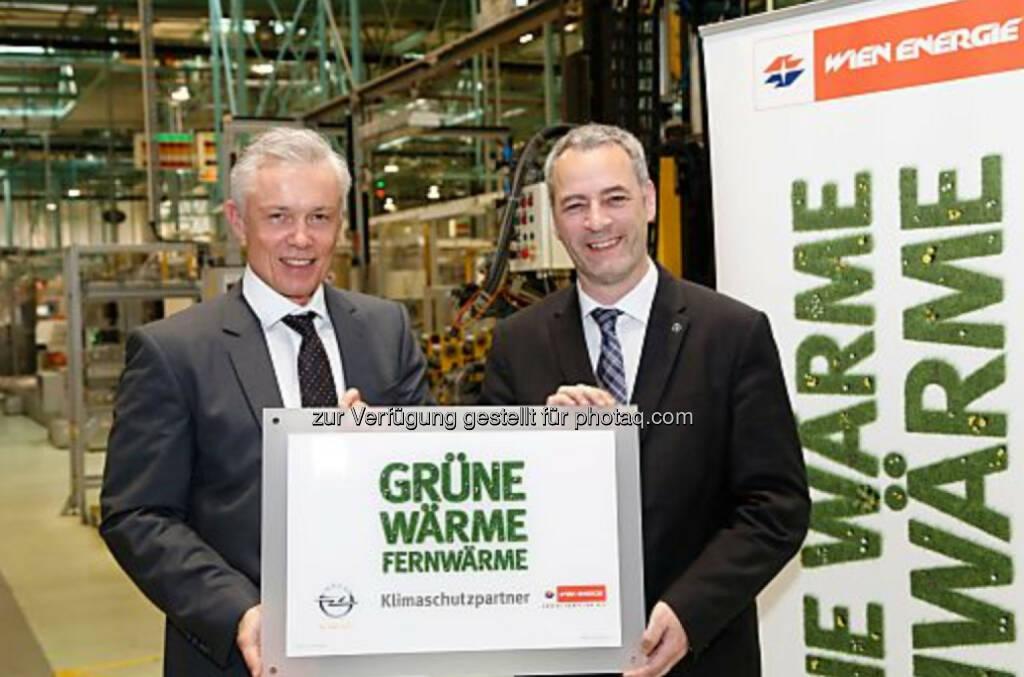 Opel Wien zieht positive Umweltbilanz: Robert Grüneis (Geschäftsführer Wien Energie), Michael Lewald (Generaldirektor Opel Wien) (c) Lechner (03.05.2014)
