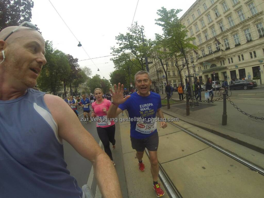 Anton Fink Neos läuft mit Europa wahl (04.05.2014)