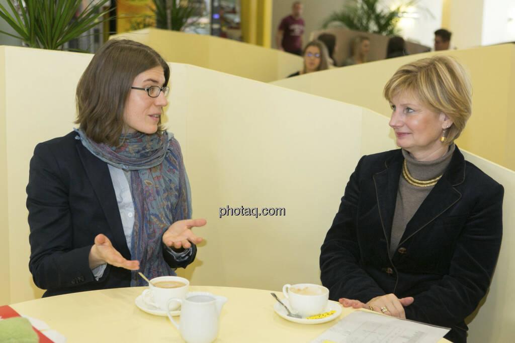Julia Smid, Susanne Neuner, © Martina Draper/finanzmarktfoto.at (21.12.2012)