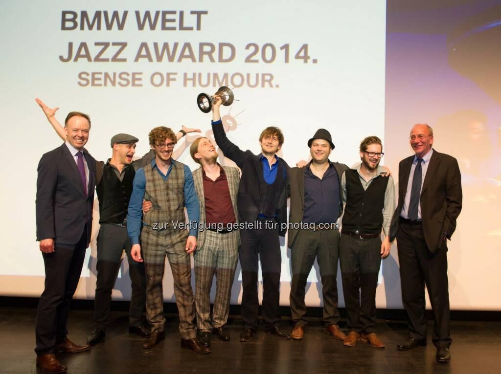 Ian Robertson, Mitglied des Vorstands der BMW AG, Hildegard Lernt Fliegen, Hans-Georg Küppers, Kulturreferent der Stadt München: Hildegard Lernt Fliegen gewinnt den BMW Welt Jazz Award 2014, © Aussendung (05.05.2014)
