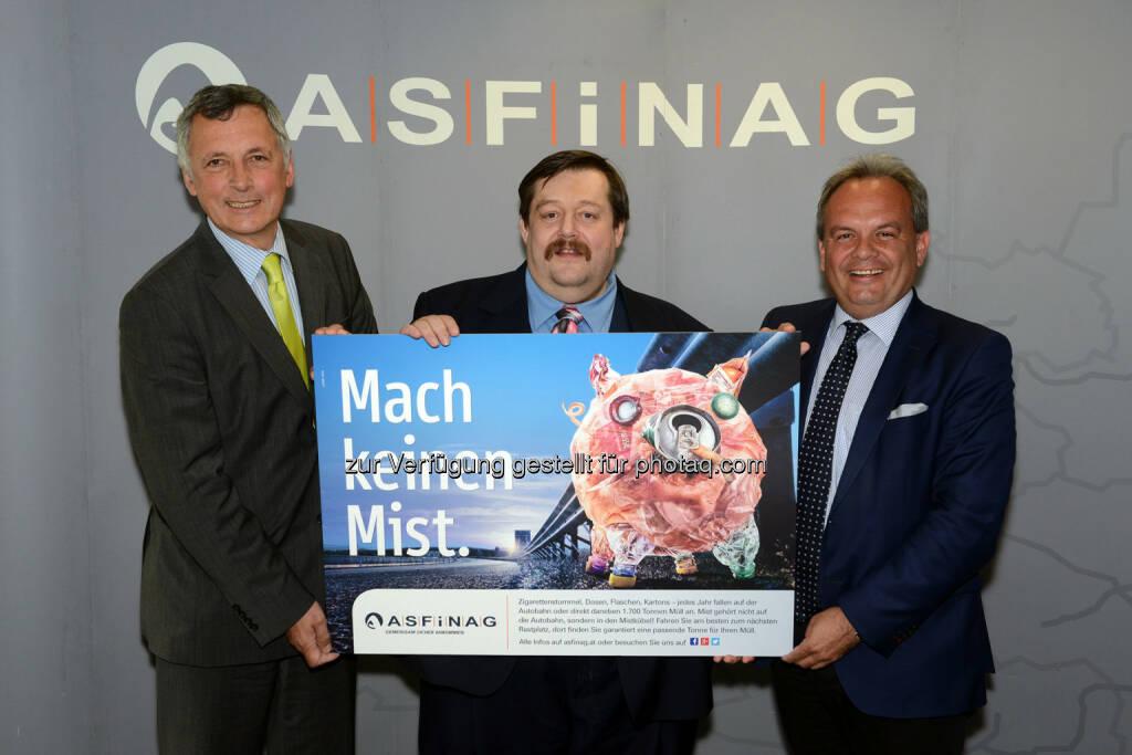 neue Kampagne: Physiker Werner Gruber mit den beiden Asfinag-Geschäftsführern Klaus Fink und Josef Fiala: 1700 Tonnen Müll werden jährlich auf der Autobahn entsorgt.  (06.05.2014)