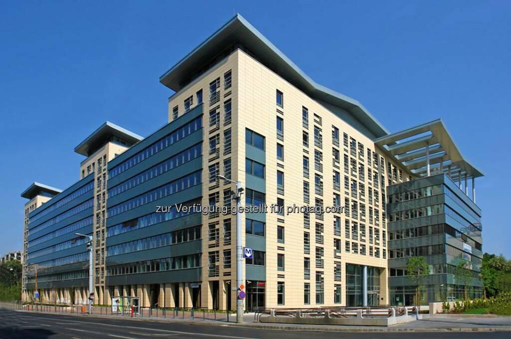 """Captial Square (CA Immo) in Budapest mit LEED Gold-Zertifikat für Bestandsgebäude ausgezeichnet - Die 32.500 m² Bruttogrundfläche umfassende Büroimmobilie Capital Square wurde im Sommer 2009 fertig gestellt und mit dem Construction & Investment Journal (CIJ)-Award als """"Beste Büroentwicklung"""" des Jahres 2009 ausgezeichnet. (Bild CA Immo) (09.05.2014)"""