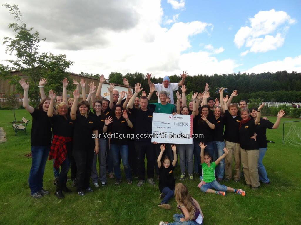 DHL Express spendet 11.000 Euro für schwerstkranke Kinder an Sterntalerhof (14.05.2014)