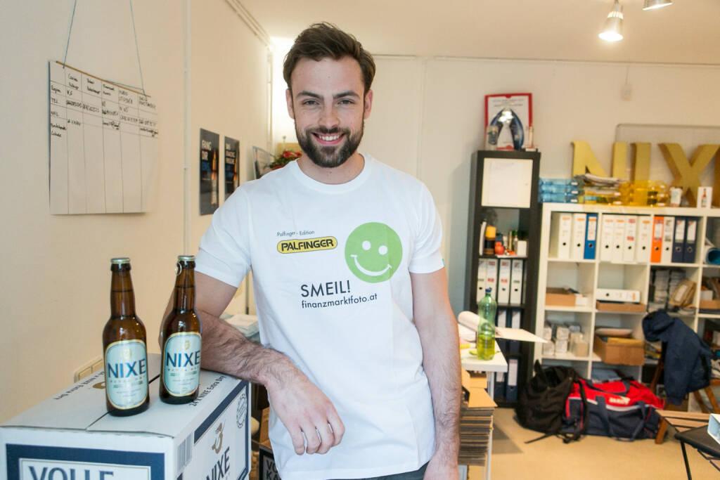 Artur Zolkiewicz (Nixe) - Bier-Muskel-Smeil, Smeil Shirt in der Palfinger edition (15.05.2014)