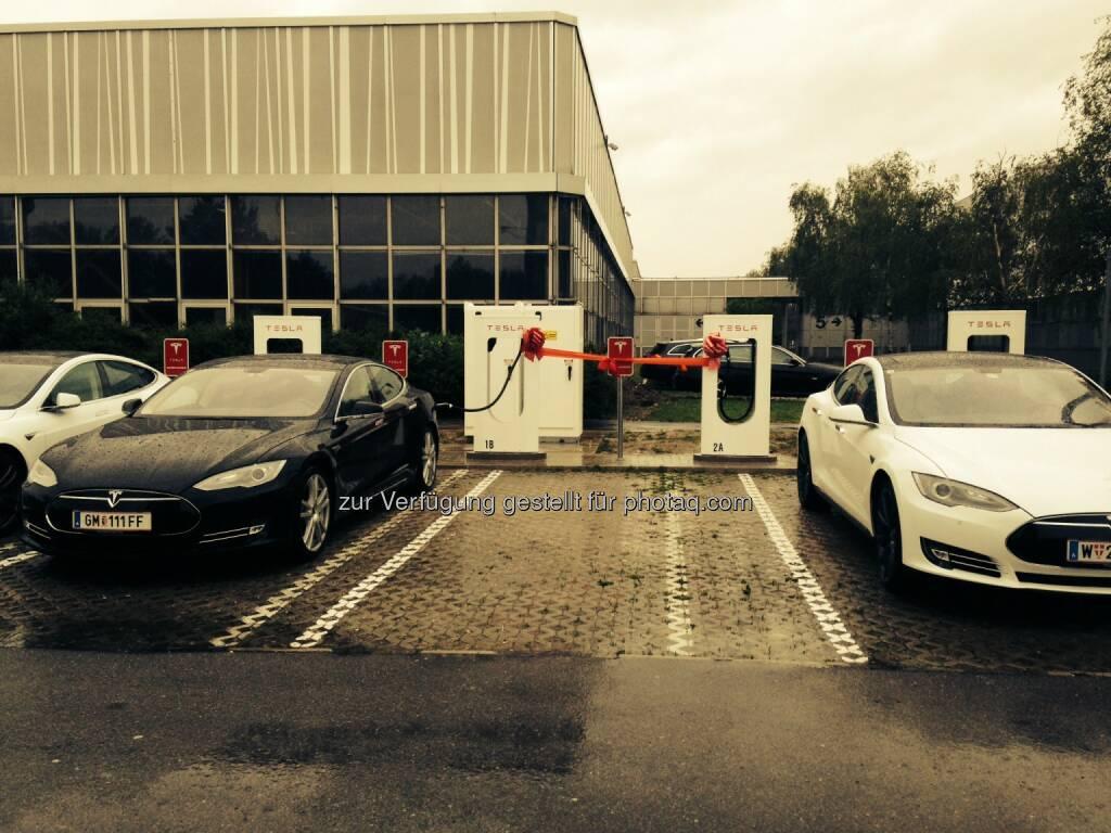 Tesla Motors GmbH: Tesla eröffnet ersten Supercharger in Wien (Bild: Tesla Motors) (16.05.2014)