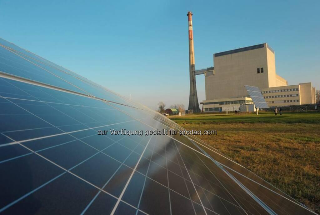 Sonne statt AKW.  Seit 2010 ist das EVN Photovoltaik-Forschungszentrum Zwentendorf da in Betrieb, wo einst ein Atomkraftwerk entstehen sollte. Mehr lesen: http://bit.ly/EVN_Photovoltaik  Foto: Moser  Source: http://facebook.com/EVN (16.05.2014)