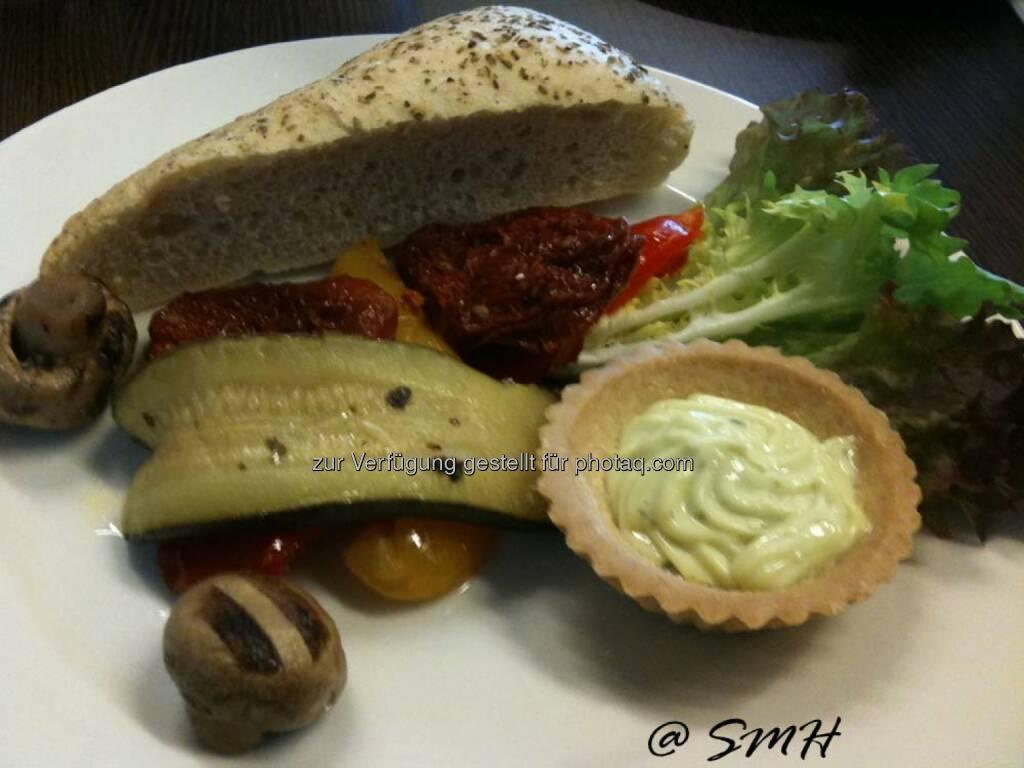OMV-HV. Mittwoch 14.5.2014. Austria Center. Catering von Food Affair. Vorspeise gegen Bon (19.05.2014)