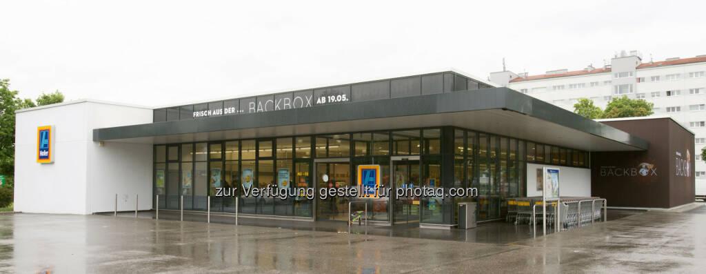 Hofer KG: Noch mehr ofenfrisches Brot und Gebäck: Hofer eröffnet bereits die 100. BACKBOX-Filiale, Supermarkt (Bild: Hofer) (19.05.2014)