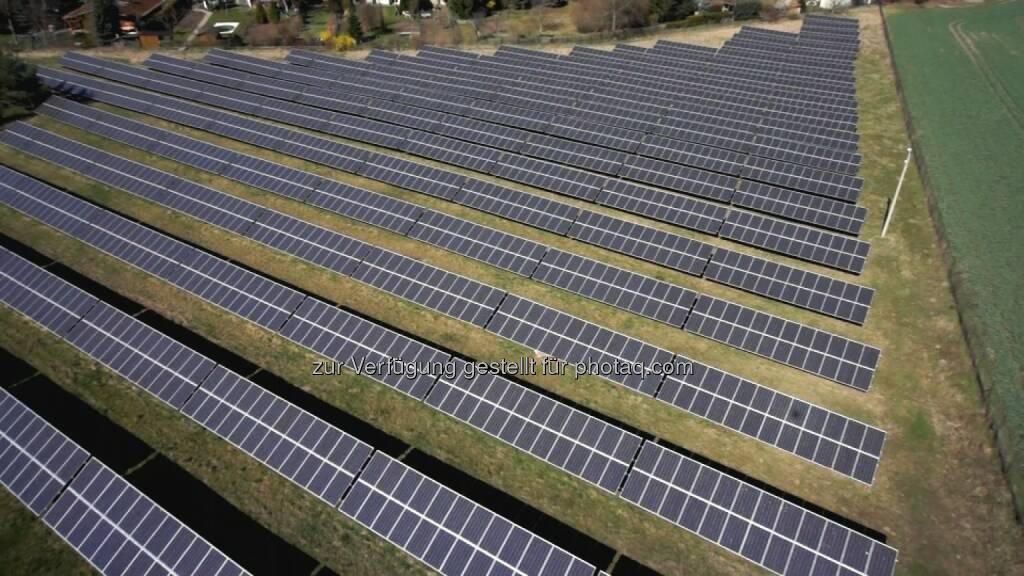 Sonneninvest treibt die Energiewende voran - erstes Crowdfunding eines Solarparks über Econeers, Luftaufnahme des Solarparks Langenbogen (Bild: Sonneninvest AG) (27.05.2014)