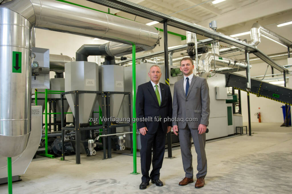 Energie Steiermark AG: Vorstandssprecher Christian Purrer mit Slowakei-Chef  Josef Landschützer bei der feierlichen Eröffnung der Biomasse-Anlage in Roznava. Energie Steiermark eröffnet neues Biomasse-Kraftwerk in der Slowakei. (03.06.2014)