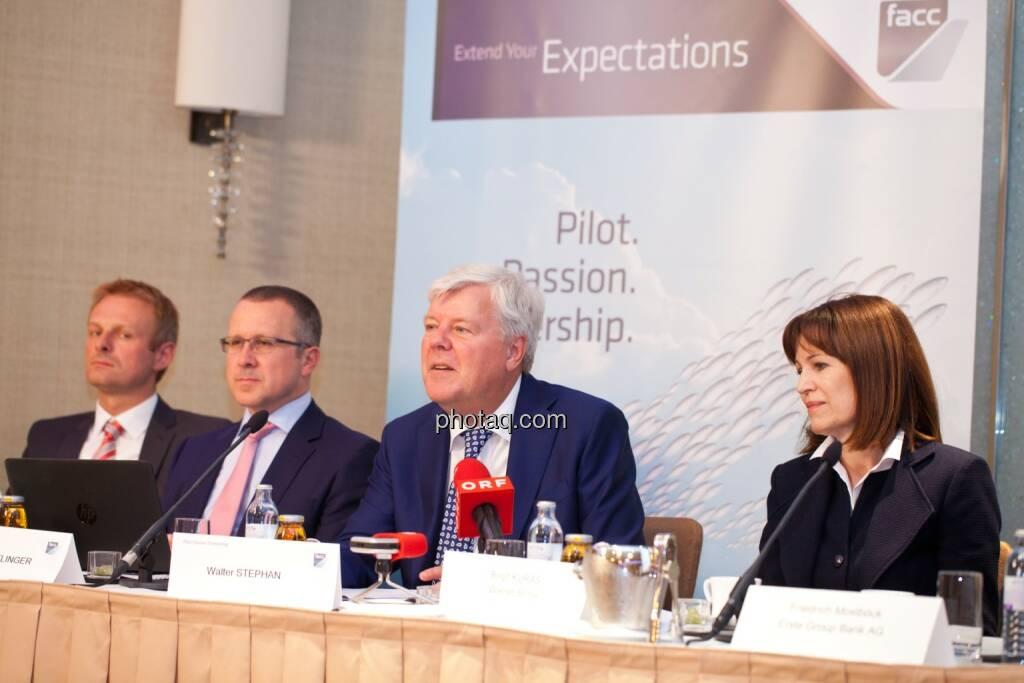 Andreas Schoberleitner (COO FACC), Robert Machtlinger (COO FACC),  Walter A. Stephan (CEO FACC), Birgit Kuras (Börse Wien), © photaq/Michi Mejta (04.06.2014)