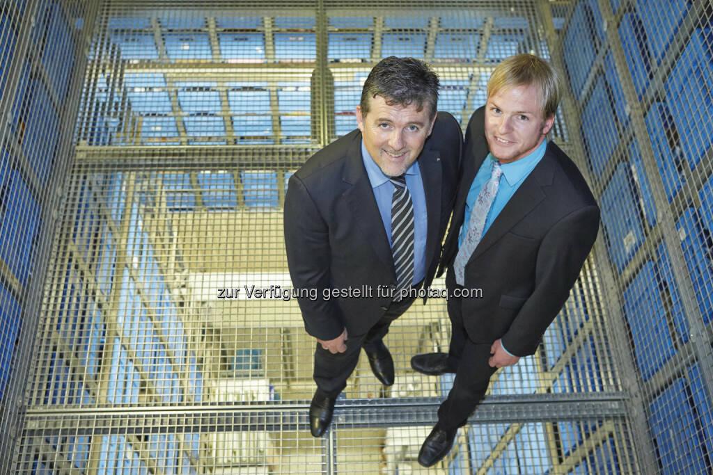 dm drogerie markt GmbH: 25 Jahre dm Verteilzentrum Enns: Hubert Krabichler, in der Geschäftsführung verantwortlich für Logistik, und Elmar Riepl, Manager für Filiallogistik (05.06.2014)