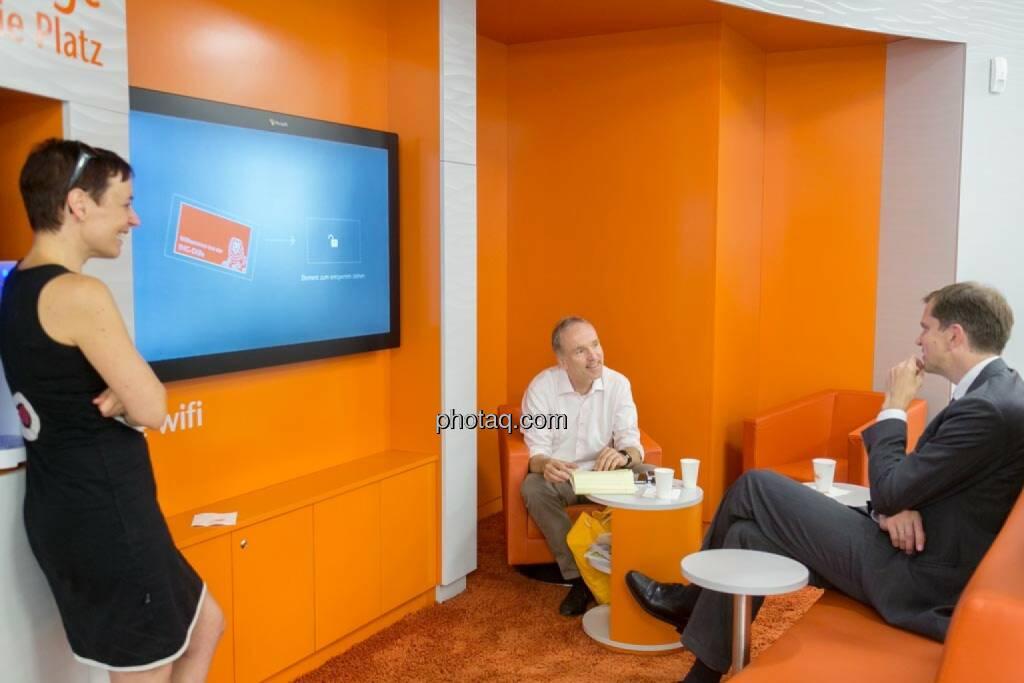 Andrea Hansal (Head of Corporate Communications ING-DiBa Direktbank Austria), Christian Drastil, Roel Huisman (CEO ING-DiBa Direktbank Austria), © photeq/Martina Draper (12.06.2014)