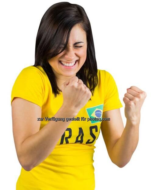 Deutsche Post: Heute Abend um 22 Uhr geht es endlich los! Brasilien gegen Kroatien! Wir sind zwar unparteiisch und wünschen beiden Mannschaften viel Glück, finden aber ein Team, das in gelb spielt, grundsätzlich schon mal sehr sympathisch ;-) #wm2014 #tfd  Source: http://facebook.com/deutschepost (12.06.2014)