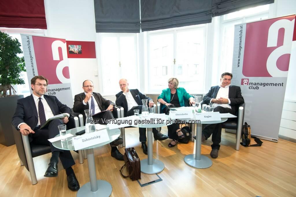 management club: mc-quergeredet: Das Budget steht - eine Bewertung, Im Bild vl.n.r.: Andreas Zakostelsky (ÖVP, Finanzsprecher), Christian Keuschnigg (IHS, Direktor), Moderation: Andreas Weber (Format, Chefredakteur) Martha Oberndorfer (ÖBFA, Geschäftsführerin) und Werner Kogler (Die Grünen, Finanzsprecher). (19.06.2014)
