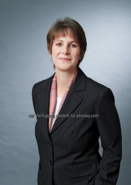 Ingrid Szeiler neuer Chief Investment Officer (CIO) bei der Raiffeisen KAG, Organisationsstruktur verschlankt, mit Fondsmanagement, Fondsservice und Kundenbetreuung nur noch drei statt sieben Unternehmensbereiche (Bild: Raiffeisen Capital Management) (23.06.2014)