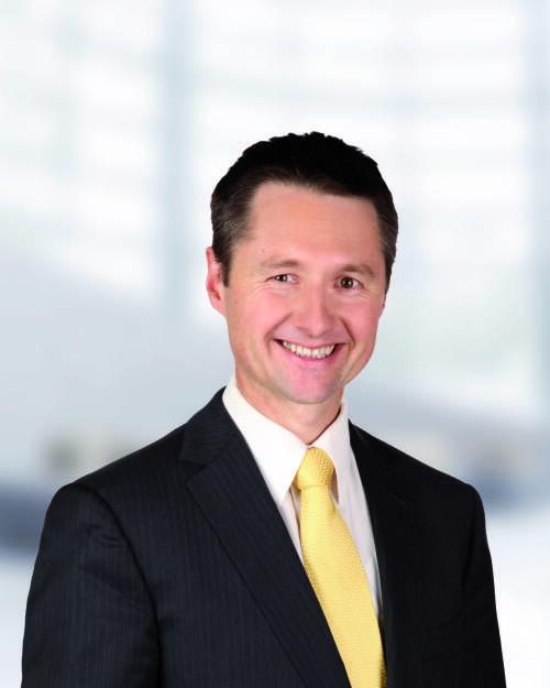 Martin Singer von Swiss Life Select wird vom Fachverband der Finanzdienstleister der Wirtschaftskammer Österreich als Sieger für exzellente Kundenberatung gekürt (Swiss Life Select), © Aussendung (27.06.2014)
