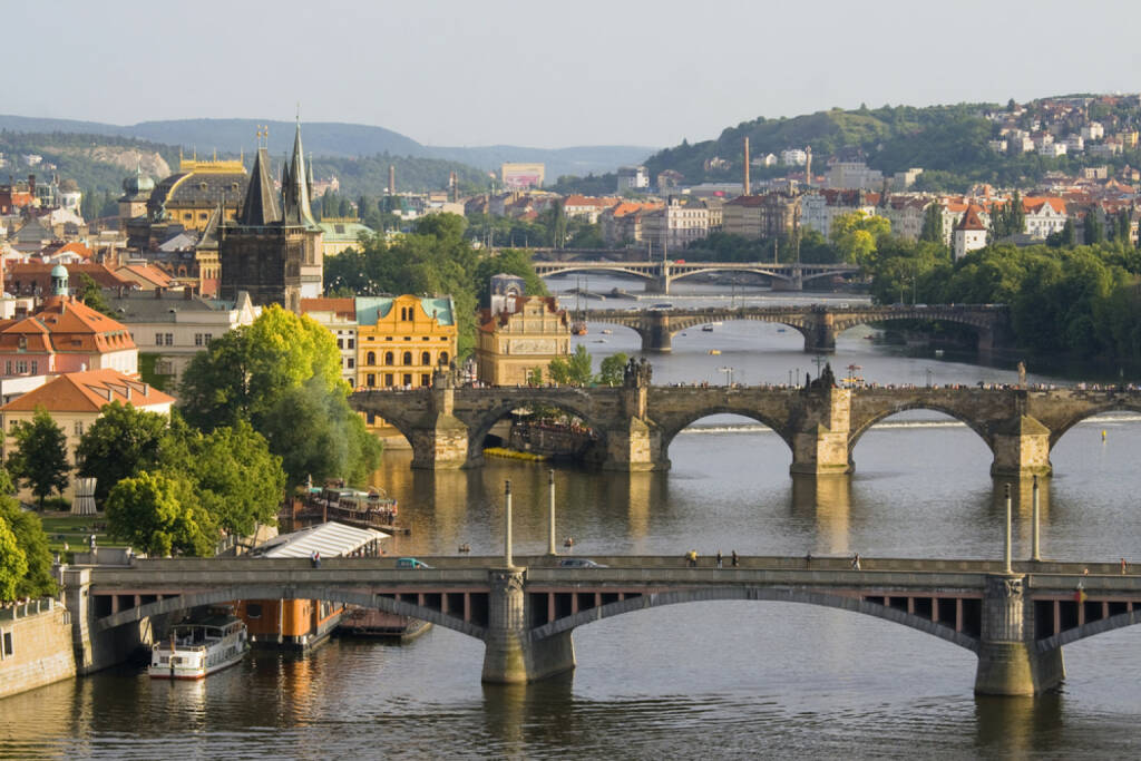 Prag, Tschechien, http://www.shutterstock.com/de/pic-122957884/stock-photo-aerial-view-on-bridges-in-prague.html (Bild: www.shutterstock.com), © shutterstock.com (30.06.2014)