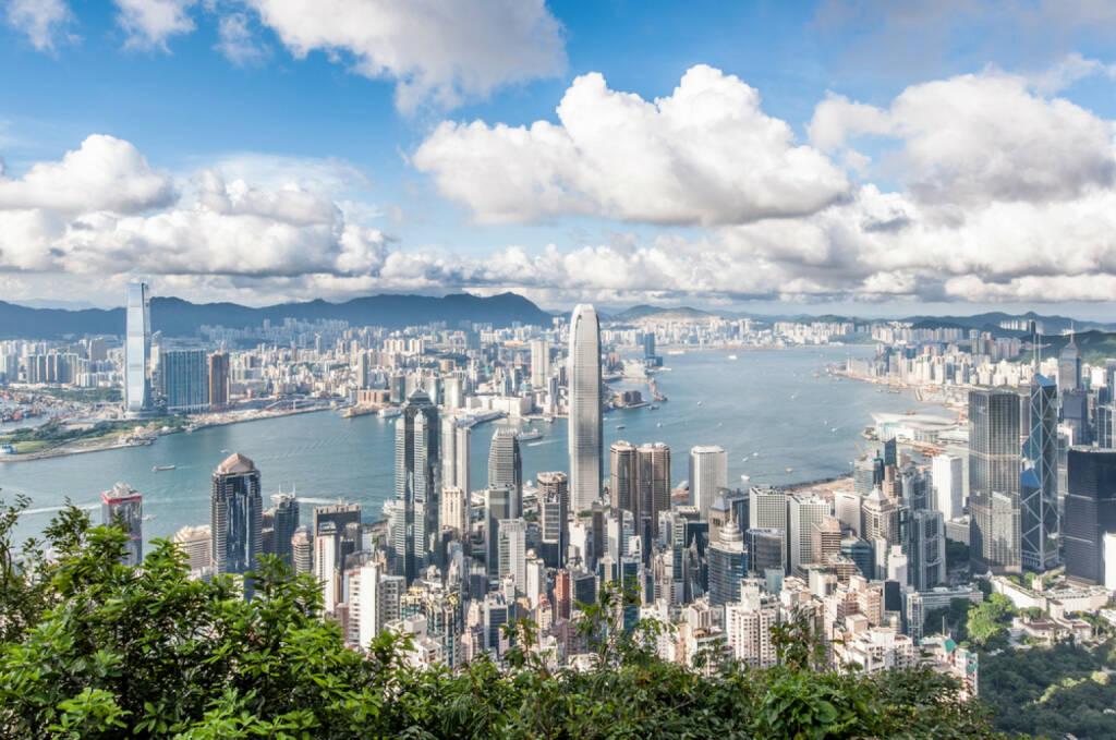 Hongkong, http://www.shutterstock.com/de/pic-110489444/stock-photo-hong-kong-victoria-harbor-with-blue-sky.html , © (www.shutterstock.com) (30.06.2014)