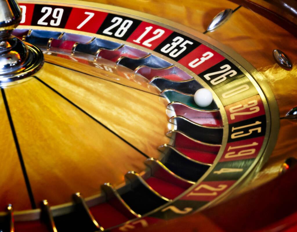 Roulette, Casino, gaming, Spiel, Glücksspiel, http://www.shutterstock.com/de/pic-180075665/stock-photo-roulette-wheel.html  (01.07.2014)