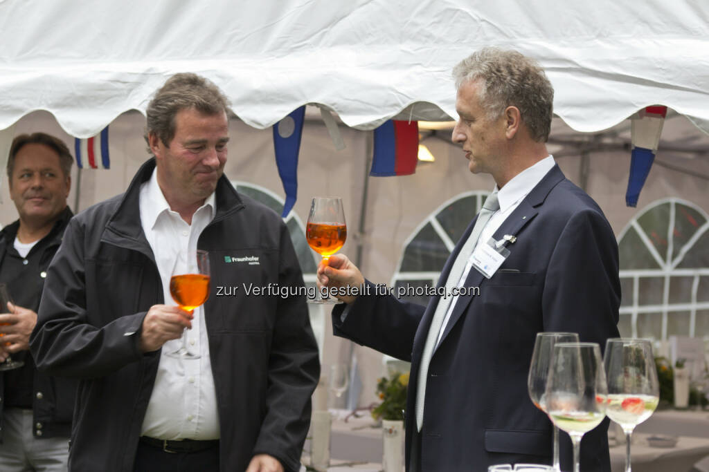 Wilfried Sihn, Geschäftsführer Fraunhofer Austria; Dieter Fellner, Geschäftsführer Fraunhofer Austria, © Fraunhofer Austria Research GmbH (01.07.2014)