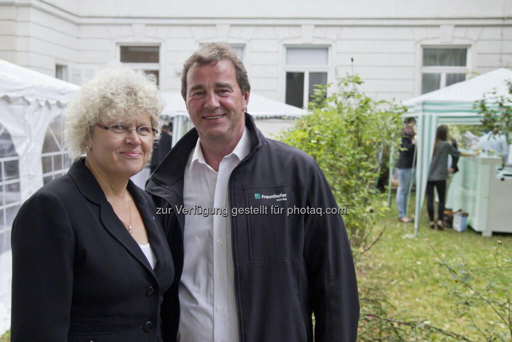 Sabine Seidler, Rektorin TU Wien; Wilfried Sihn, Geschäftsführer Fraunhofer Austria, © Fraunhofer Austria Research GmbH (01.07.2014)