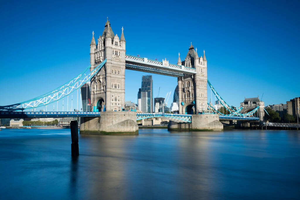 London, Tower Bridge, http://www.shutterstock.com/de/pic-162607085/stock-photo-tower-bridge-in-london-uk.html, © shutterstock.com (02.07.2014)