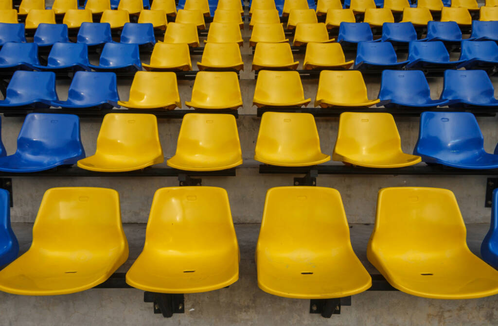 Sitze, leere Sitze, Stadion, blau-geb, Ukraine, Niederösterreich, http://www.shutterstock.com/de/pic-149163947/stock-photo-sport-stadium.html (Bild: shutterstock.com) (04.07.2014)