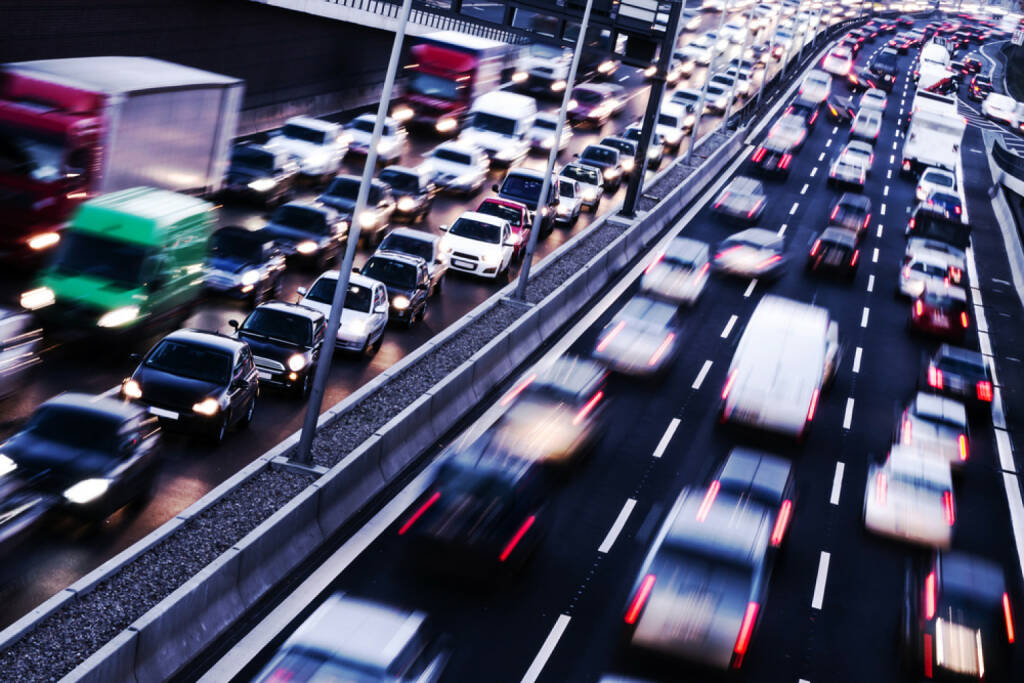 Auto, Stau, Autobahn, http://www.shutterstock.com/de/pic-147888404/stock-photo-congestion-on-a-higway-on-rush-hour-time.html , © (www.shutterstock.com) (05.07.2014)