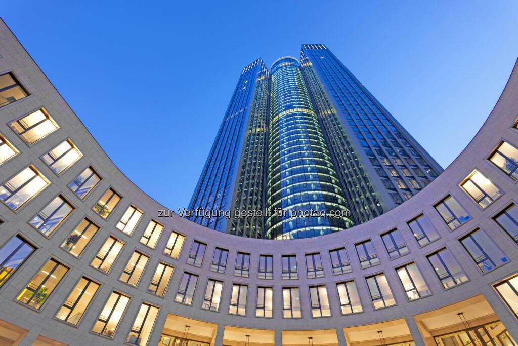 CA Immo finalisiert weitere Großvermietung in Frankfurt - Die hkp group/// hat im Frankfurter Tower 185 einen Mietvertrag über rund 1.350 m2 Bürofläche abgeschlossen. Das international tätige Beratungsunternehmen wird ab Oktober 2014 im Tower 185 seine Deutschlandzentrale einrichten. (Bild: Markus Diekow/CA Immo) (07.07.2014)