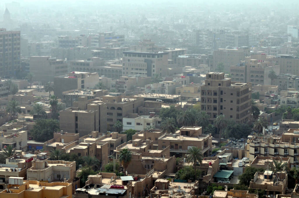 Bagdad, Irak, http://www.shutterstock.com/de/pic-102786386/stock-photo-cityscape-of-baghdad-capital-of-iraq-similar-buildings-with-rooftop-terraces-are-typical-all-over.htm , © (www.shutterstock.com) (07.07.2014)
