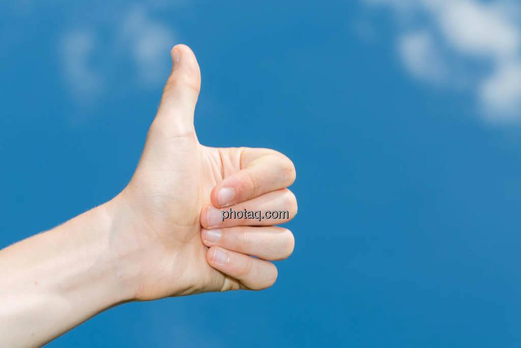 Hand, 1, eins, ok, Zustimmung, Erfolg, thumbs up, Bestätigung, Gratulation, © photaq/Martina Draper (08.07.2014)