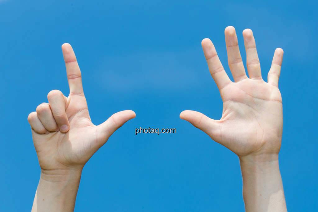 Hände, 7, sieben, © photaq/Martina Draper (08.07.2014)